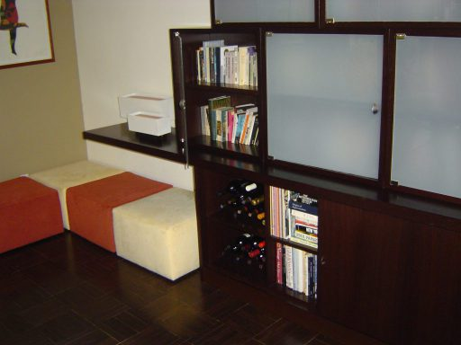 Cantilevered Wall Unit View 512 3