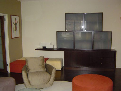 Cantilevered Wall Unit View 512 1